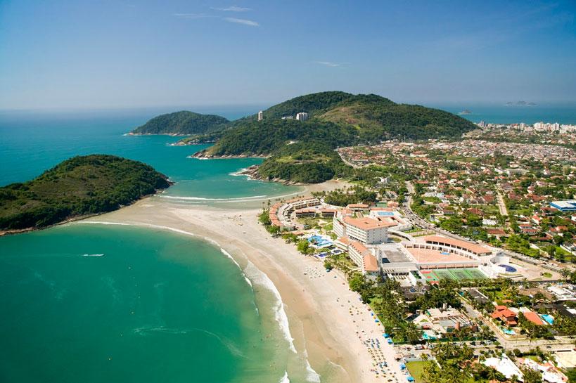 Praia de Pernambuco e Mar Casado, no Guarujá (Serge Detalle/Accor Photos)