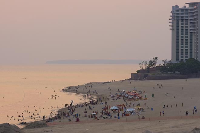 Praia da Ponta Negra, na área nobre de Manaus (Fotos: Getty Images)
