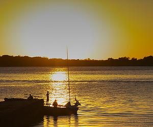 Uma hora em um passeio de barco no Guaíba