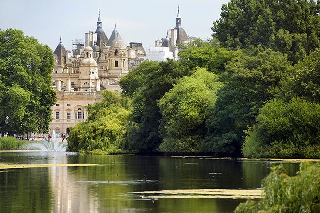 royal-attractions-saint-james-london