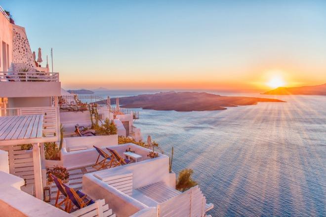Santorini, el lugar perfecto para contemplar el atarceder