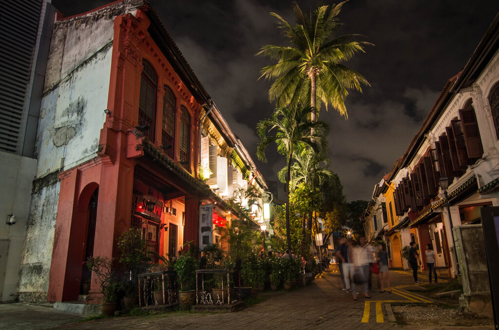 Shophouses have now become hip bars on Emerald Hill. Source: Rob Hurson