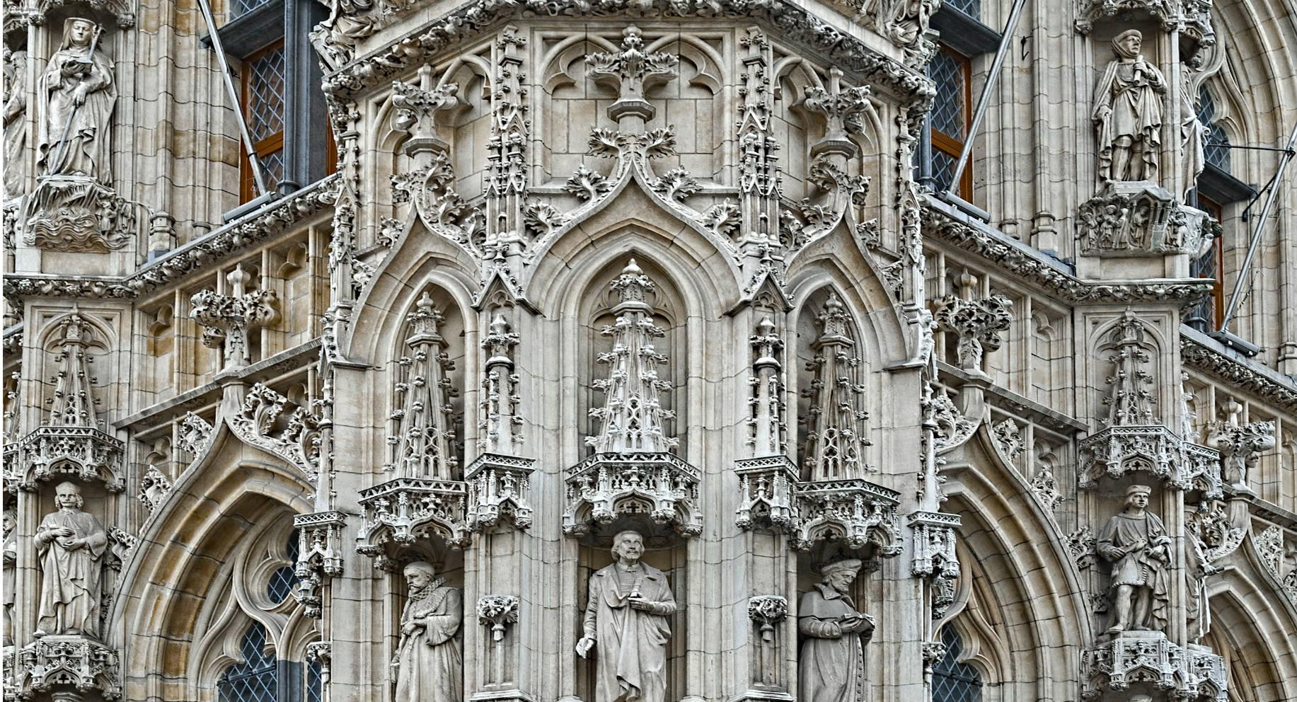 Afbeeldingsresultaat voor gotische stijl stadhuis Leuven