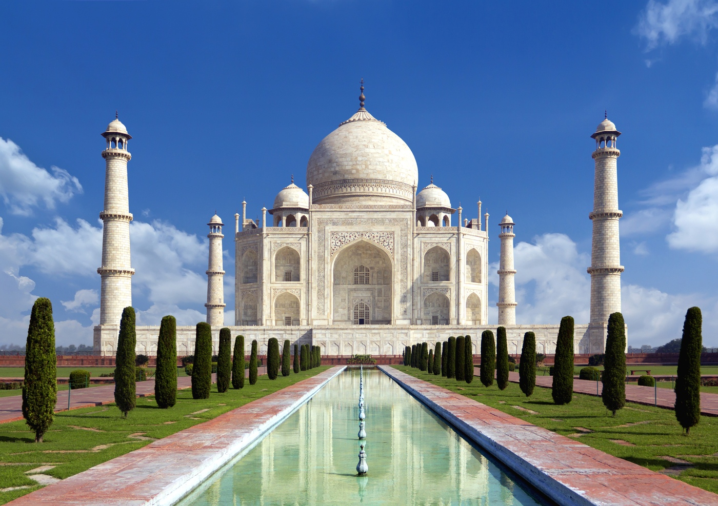 Taj Mahal 20 travel bucket list ideas to do before 40 20 Travel Bucket List Ideas To do before 40 taj mahal 260e