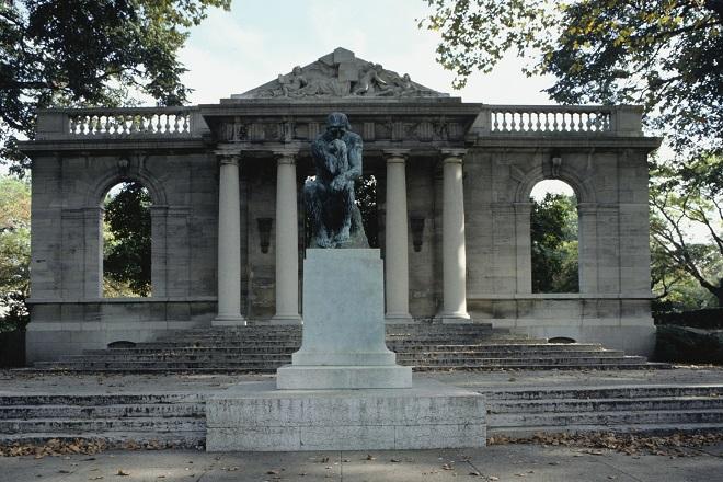 Estatua de El Pensador de Rodin en Philadelphia
