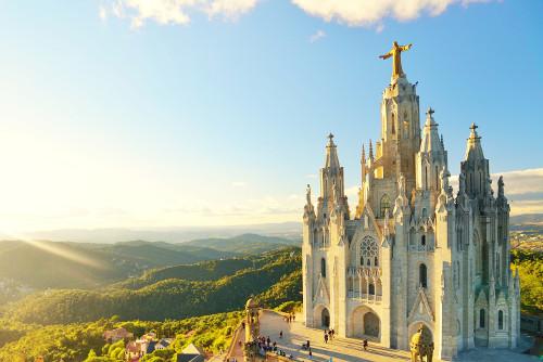 Must-See beim Kurzurlaub in Barcelona: die Sagrat Cor auf dem Tibidabo