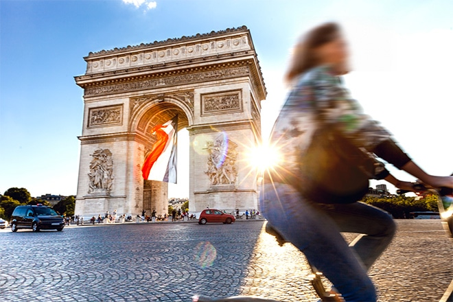 where-to-stay-champs-elysees-paris