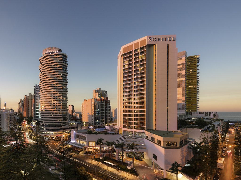 Located in the heart of Broadbeach, Sofitel Gold Coast Broadbeach features 296 beautifully appointed rooms and suites offering ocean or hinterland views. Hotel facilities include the award-winning restaurant and bar, Room81; Bistro On3; and TC's Bar and Gaming Lounge, as well as an internet lounge and library, a gymnasium and two outdoor pools overlooking Broadbeach. The hotel faces the Gold Coast Convention and Exhibition Centre and is close to golf and theme parks.