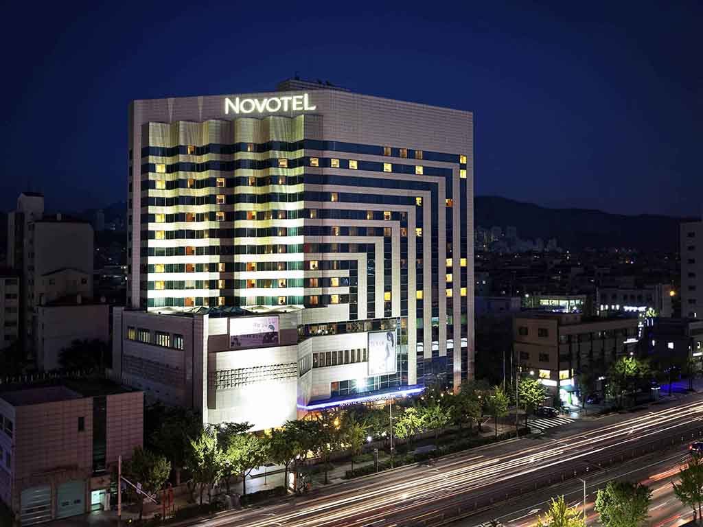 A perfect abode for business or leisure travellers, Novotel Ambassador Seoul Doksan offers 218 well-designed rooms and banquet halls. An ideal venue for business events as well as for weddings and other occasions. The Garden Terrace restaurant at the hotel offers buffet-style dining and serves regional delicacies and western delights. In addition, we have Gran A lobby bar, business centre, indoor pool and sauna. The 24-7 staff at reception and concierge team will ensure you a delightful stay.