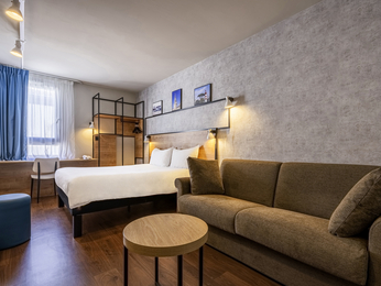 h tel la rochelle r servez votre hotel ibis la rochelle vieux port. Black Bedroom Furniture Sets. Home Design Ideas