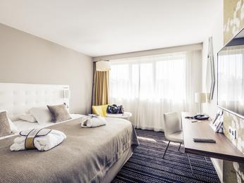 hotel in bourg en bresse book your hotel mercure bourg en bresse hotel. Black Bedroom Furniture Sets. Home Design Ideas