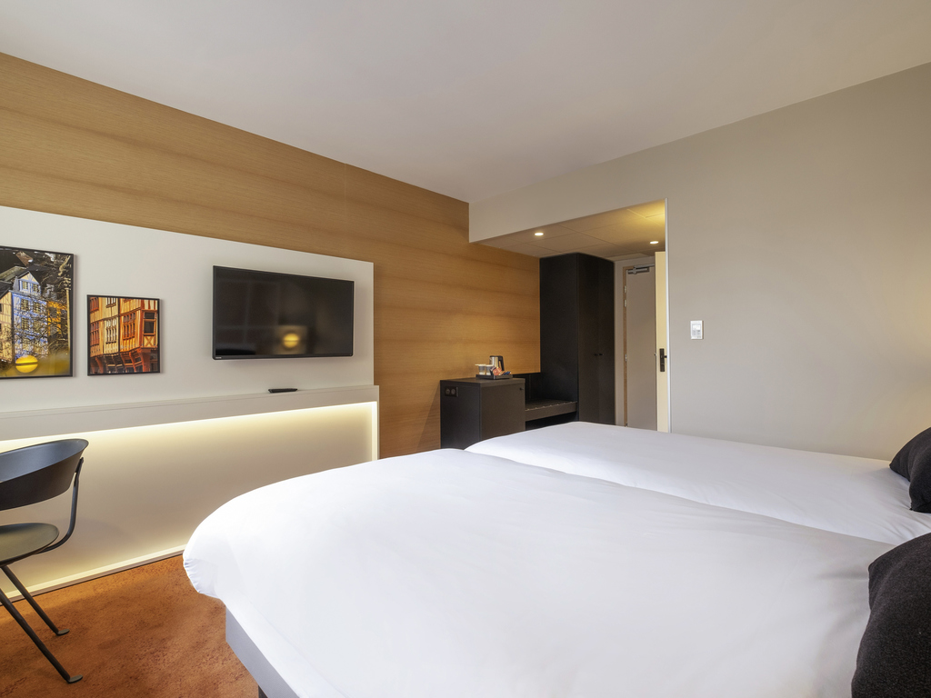 H tel mercure rouen champ de mars rouen book your for Hotels rouen