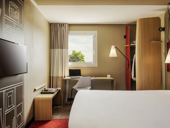 verrieres buisson kyriad hotel: