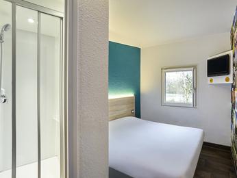 h tel mons en baroeul hotelf1 lille m tropole m tro mons sarts. Black Bedroom Furniture Sets. Home Design Ideas