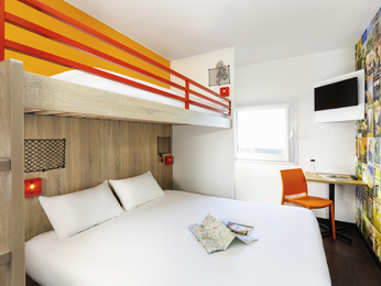 h tel saint malo hotelf1 saint malo. Black Bedroom Furniture Sets. Home Design Ideas
