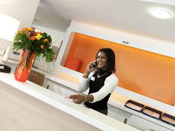 hotel a feyzin prenotazione albergo viamichelin. Black Bedroom Furniture Sets. Home Design Ideas