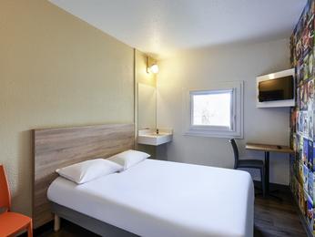 Hotelf1 paris porte de montmartre for Hotel formule 1 porte montmartre