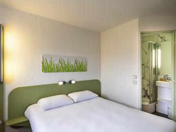 geant monthieu horaire g nie sanitaire. Black Bedroom Furniture Sets. Home Design Ideas