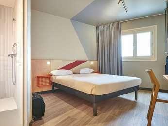 Hotel Proche Aubervilliers