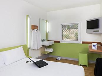 hotel in tullamarine ibis budget melbourne airport. Black Bedroom Furniture Sets. Home Design Ideas