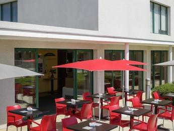 H tel rivesaltes r servez votre hotel ibis perpignan nord for Hotel perpignan avec piscine
