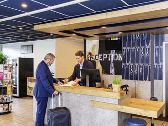 Hotel ibis budget paris porte d 39 italie est le kremlin bic tre - Novotel paris porte d italie ...
