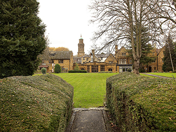 목적지 - Mercure Banbury Whately Hall Hotel