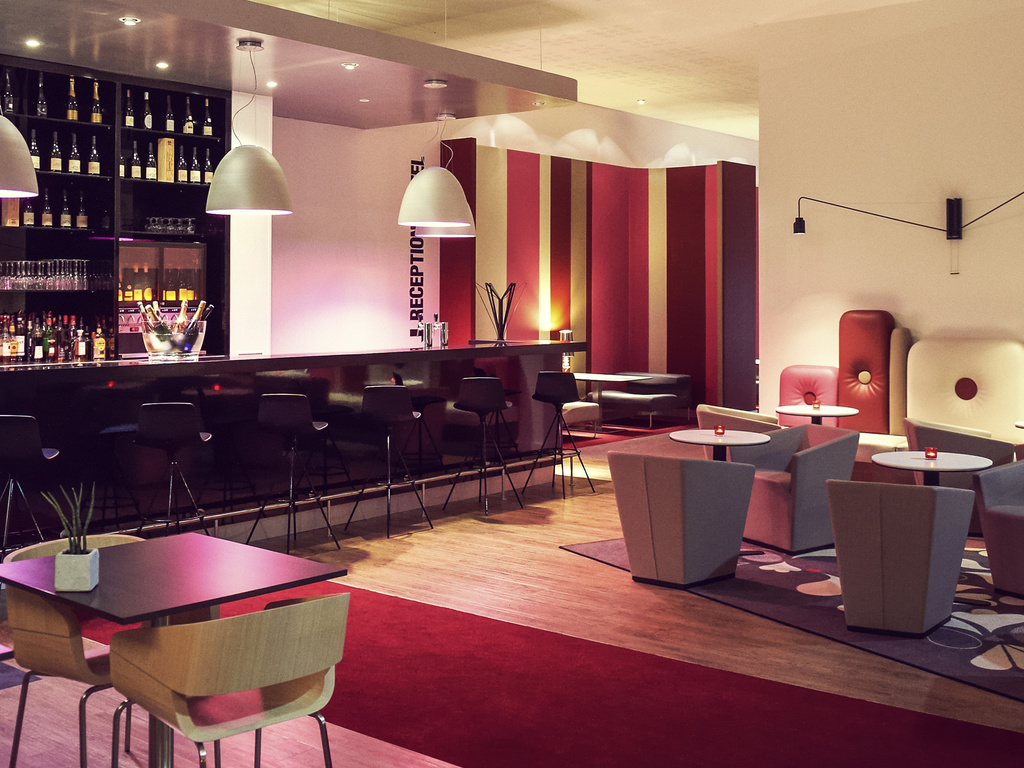 h tels cholet viamichelin trouvez un h bergement cholet. Black Bedroom Furniture Sets. Home Design Ideas