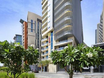 Hotel in abu dhabi aparthotel adagio al bustan with pool for Adagio amsterdam