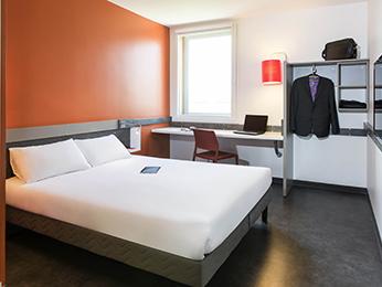 Hotel Ibis Lyon Aeroport St Exupery