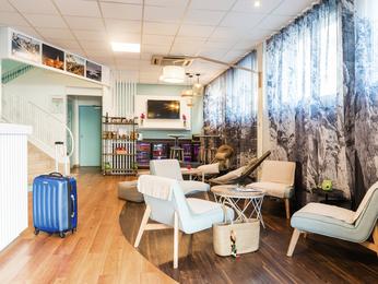 hotel in marseille ibis styles marseille castellane. Black Bedroom Furniture Sets. Home Design Ideas
