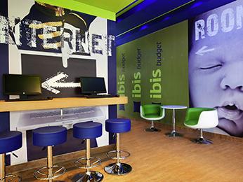ibis budget hotel comfort voor een budgetprijs. Black Bedroom Furniture Sets. Home Design Ideas