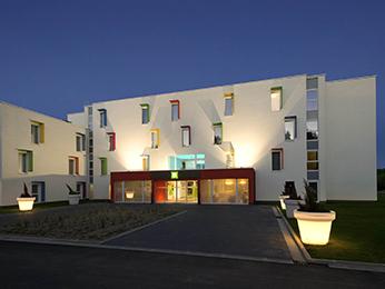 Hotel restaurant nivelles sud van der valk viamichelin for Aquarelle piscine hotel seneffe