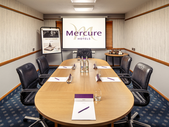 Pertemuan - Mercure Livingston Hotel