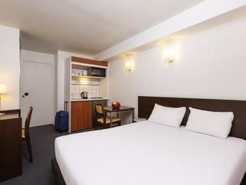 H tel courbevoie aparthotel adagio access la d fense for Adagio appart hotel barcelone