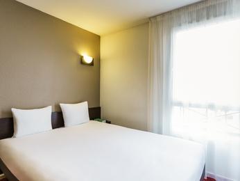 hotel in vanves aparthotel adagio access vanves porte de versailles. Black Bedroom Furniture Sets. Home Design Ideas