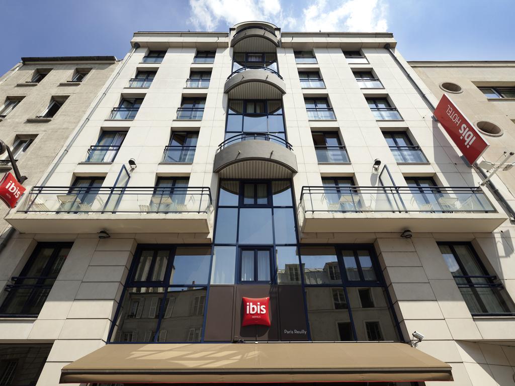 Hotel Rue De Reuilly  Paris