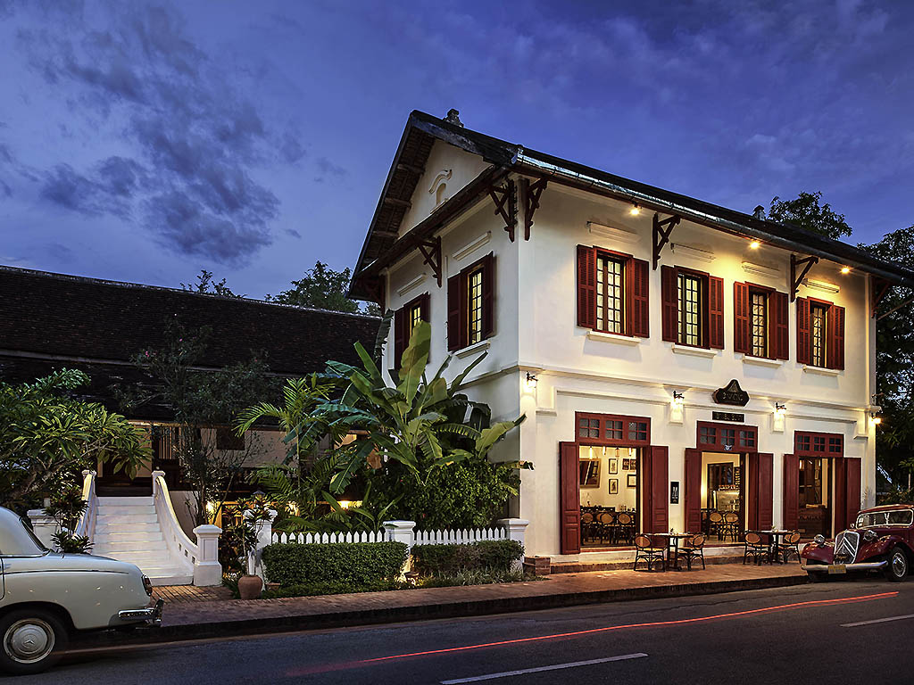 3 Nagas is a charming boutique hotel located in the center of Luang Prabang's UNESCO World Heritage site. The hotel is 15 rooms in 3 restored historical houses, blending contemporary style with traditional architecture and a gorgeous courtyard garden. Our address in the center of town within a short walk to major tourist attractions such as more than 30 Temples, two Rivers and the Night Market makes 3 Nagas the perfect place to enjoy the idyllic Lao lifestyle for leisure.